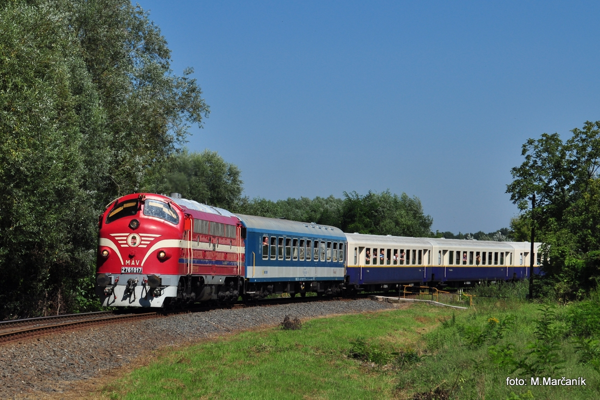 A konečne Nohabka č.17 opet v čele vlaku do Tapolcy u žst. Balatonfuzfo.