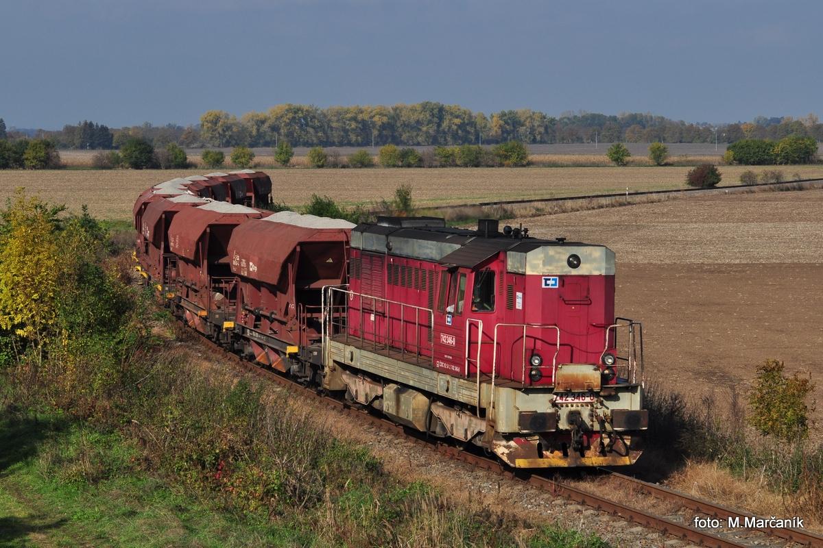 """A s """"tovačovkou"""" sa rozlúčime  fotkou nákl.vlaku, na ktorej sa prestavuje 742.346."""