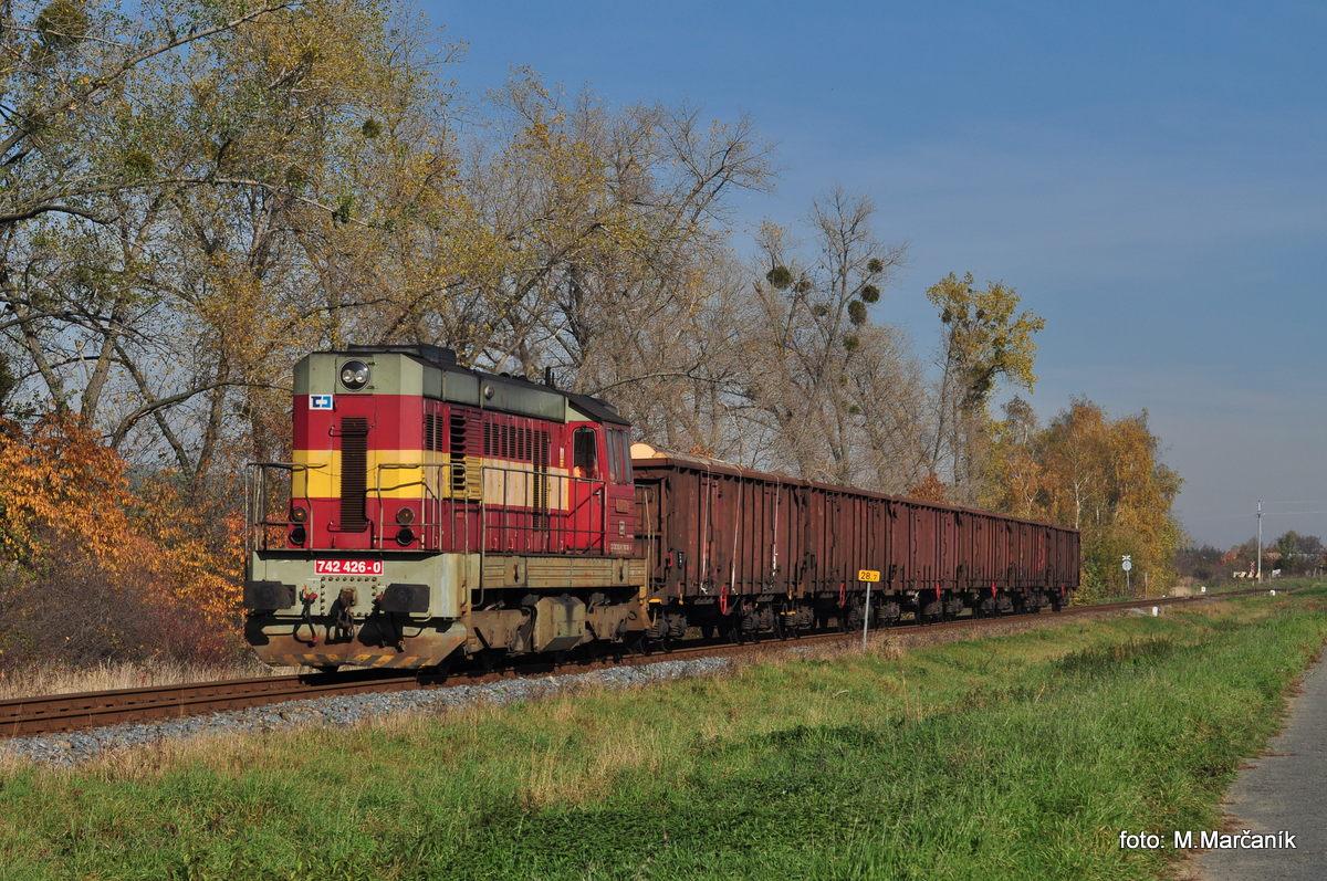 A na záver foto Mn-vlaku s 742.426 u zast. Jankovice cestou do Hulína.