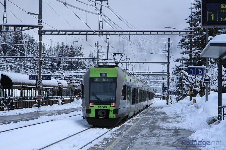 Zatiaľ čo na južnej rampe panovalo nevľúdne, ale skoro jarné počasie, v Kanderstegu zatiaľ ešte vládla zima.