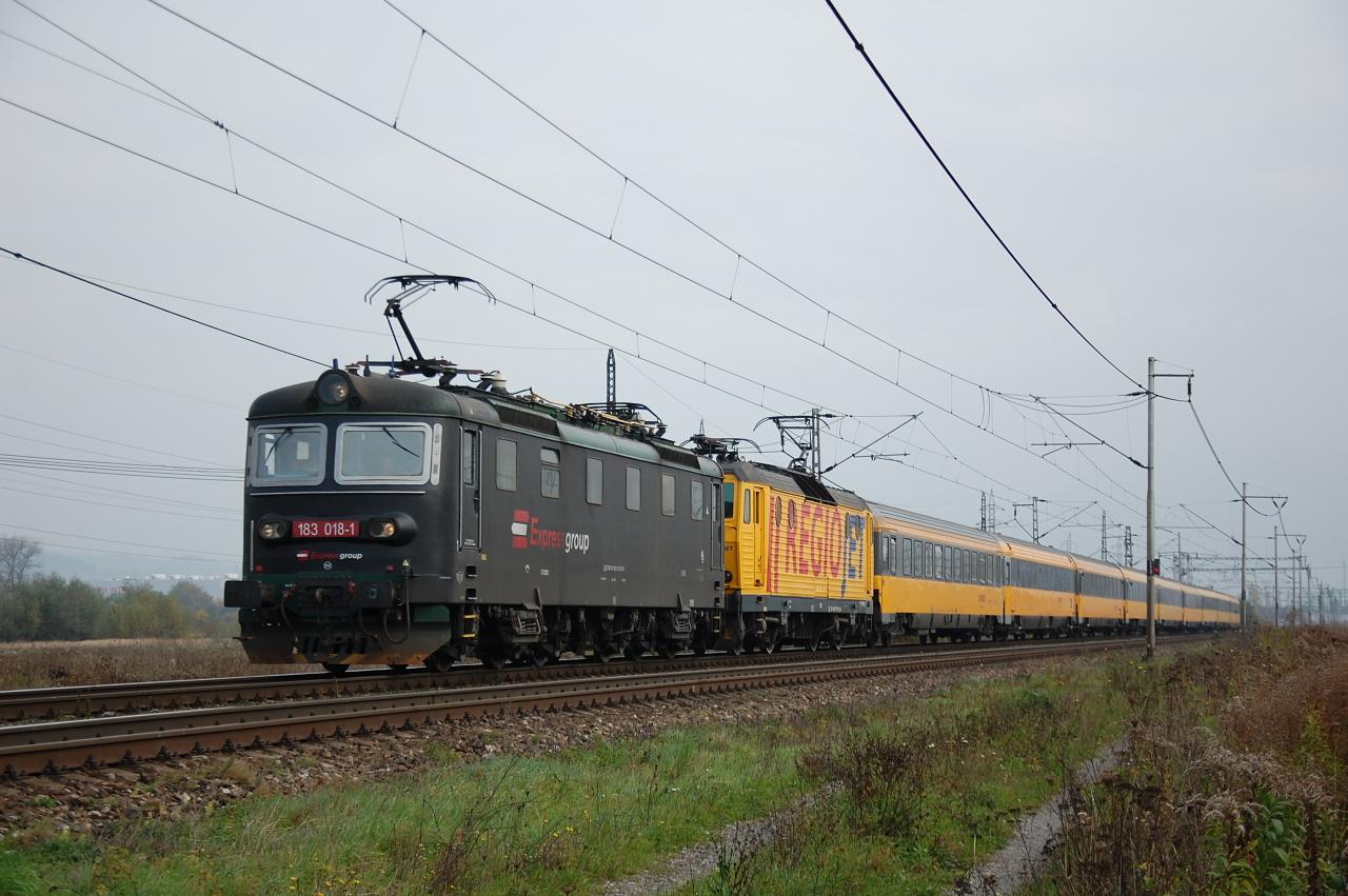 Svoju fotografiu nám poslal aj Pavol Vlček, kde zachytil vlak ešte pred Žilinou