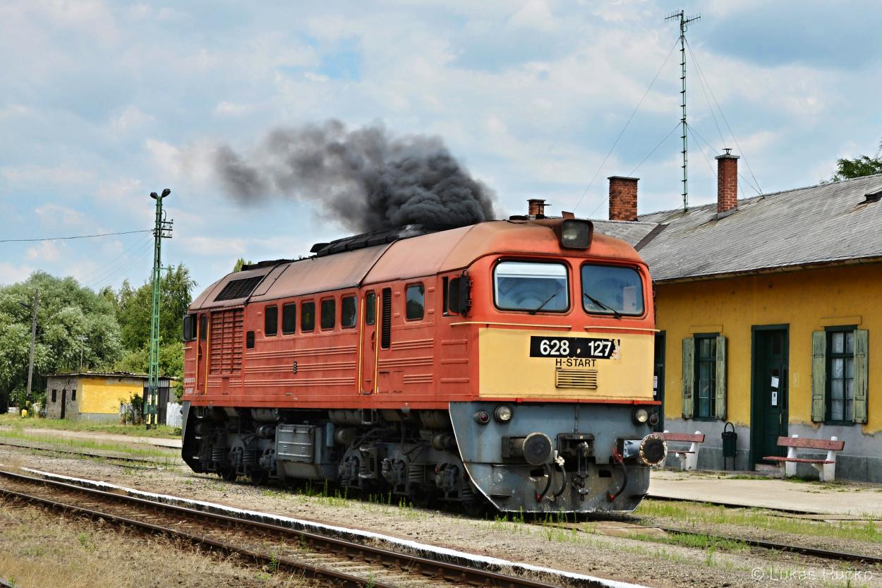 Startování Sergeje 628.127 ve stanici Mór
