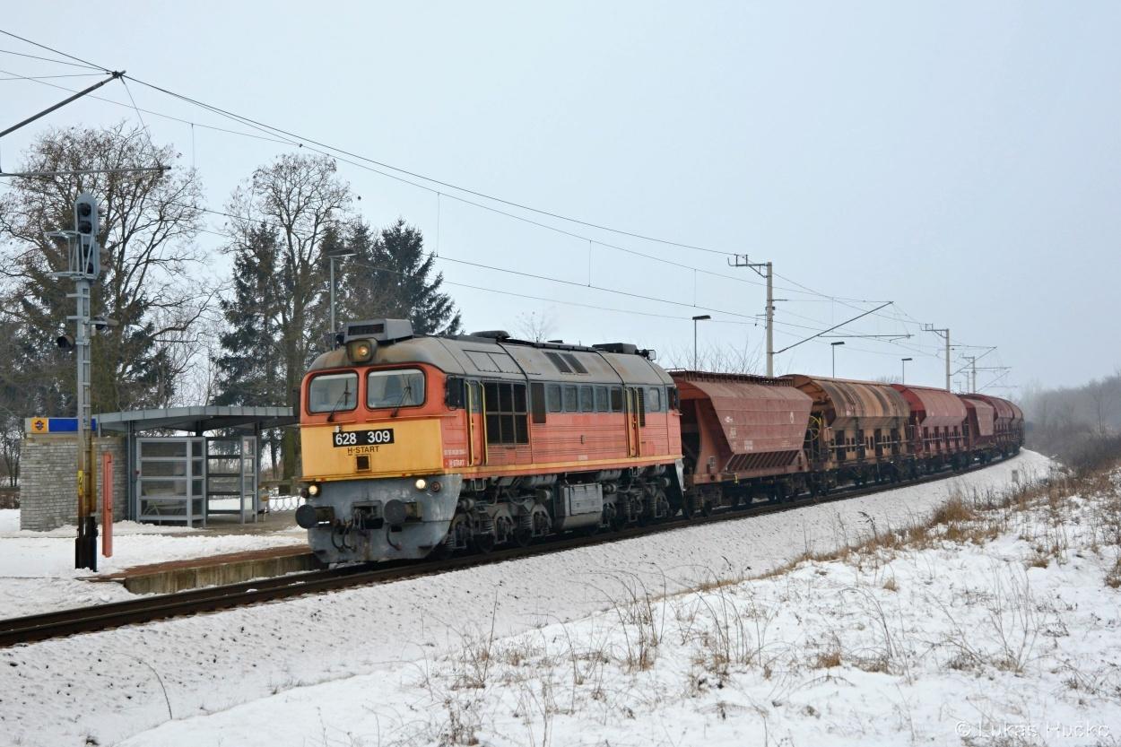 Zastávkou Turje příliš neburácí remotorizovaný Sergej 628.309