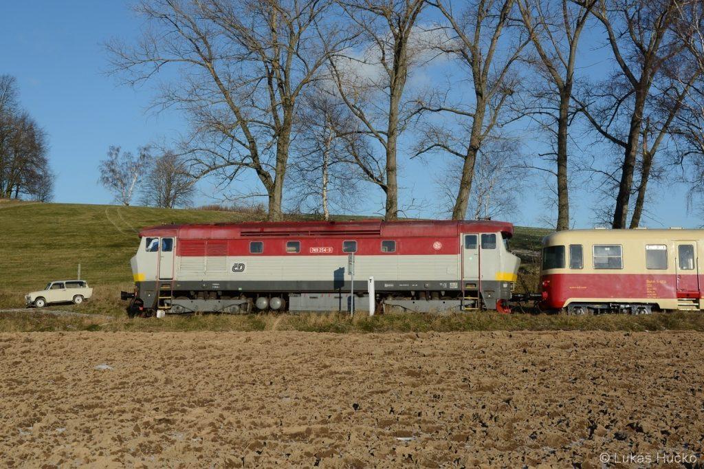 V zastávce Sádek u Poličky zastavil mimořádný vlak