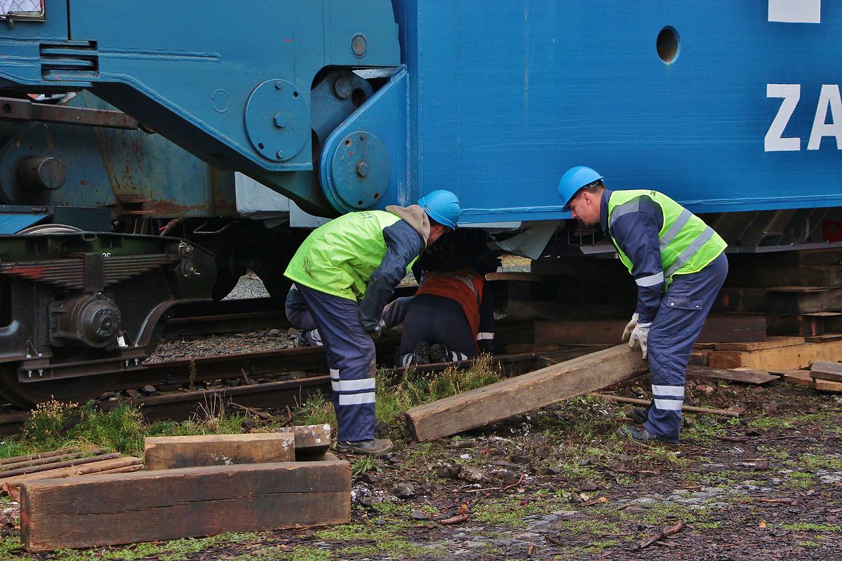 transformátor lionelního vlaku Theo James a Shailene Woodley z roku tumblr