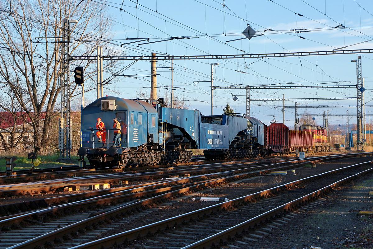 Prázdný hlubinný vůz řady Uaai-z bude sunut na 1. kolej stanice Opava východ