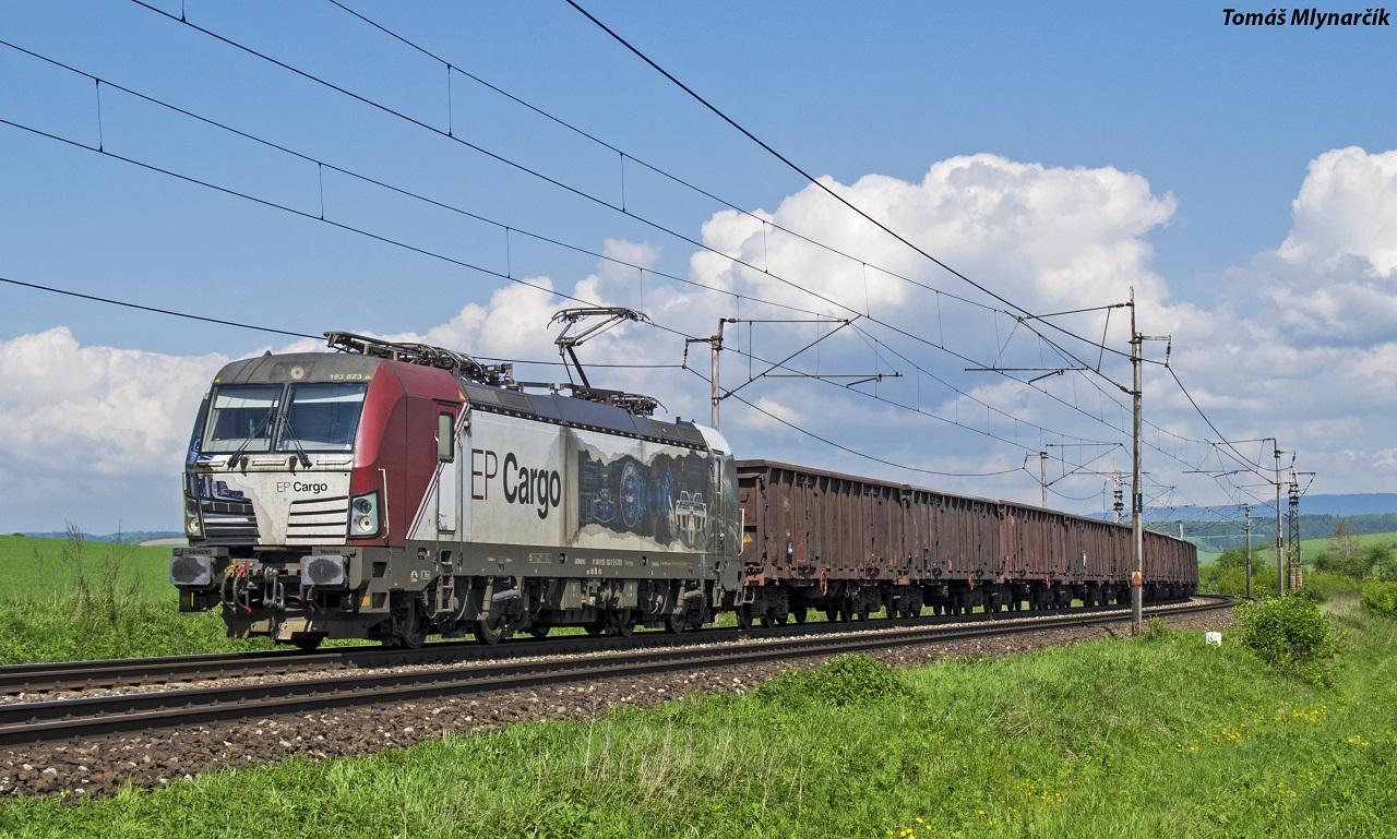 10.Vectron .193.823 s vlakom ZSSK Cargo