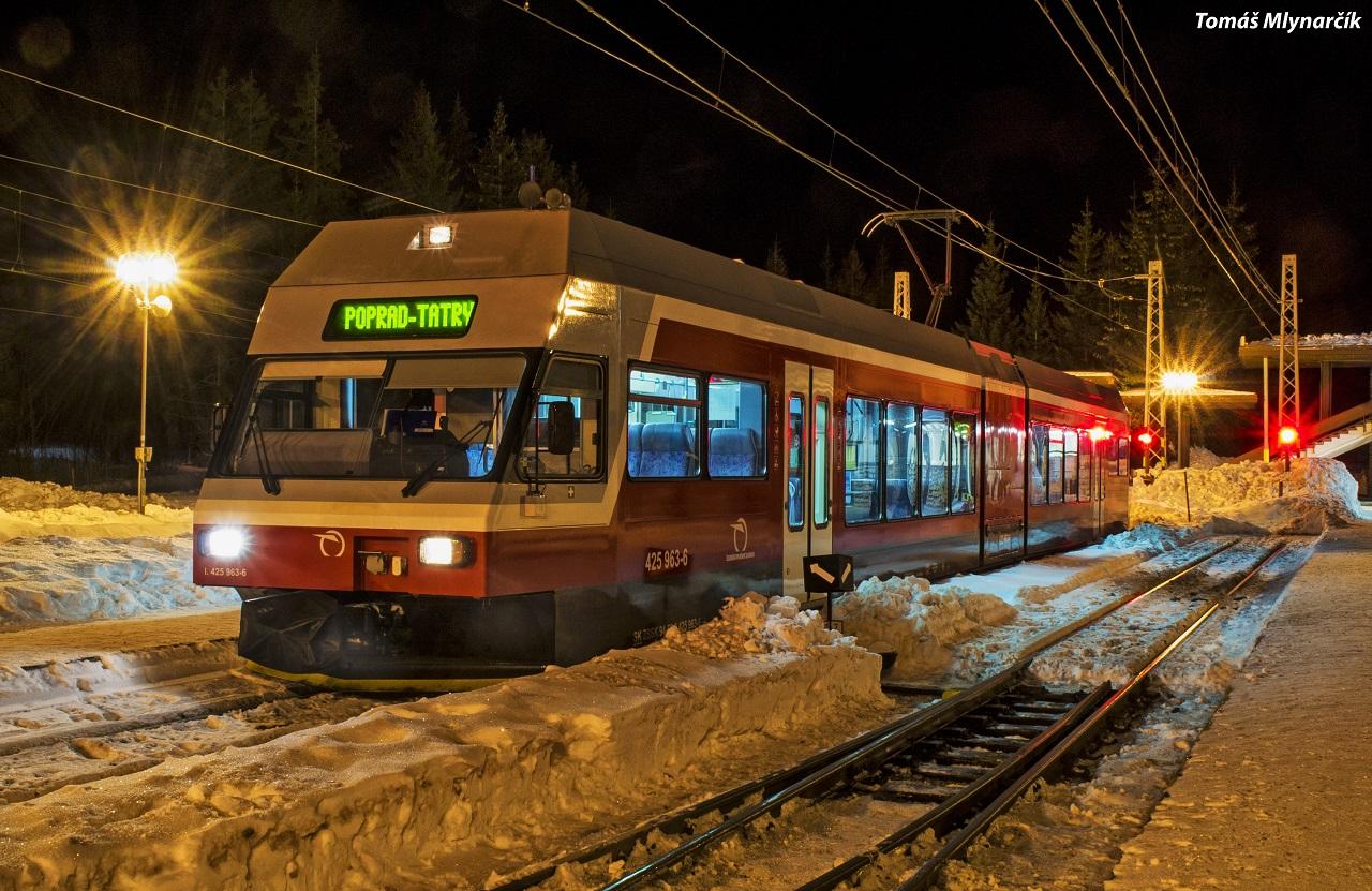 2.425.963 tesne pred odchodom vlaku 8143 na Štrbskom plese 24.1.2017