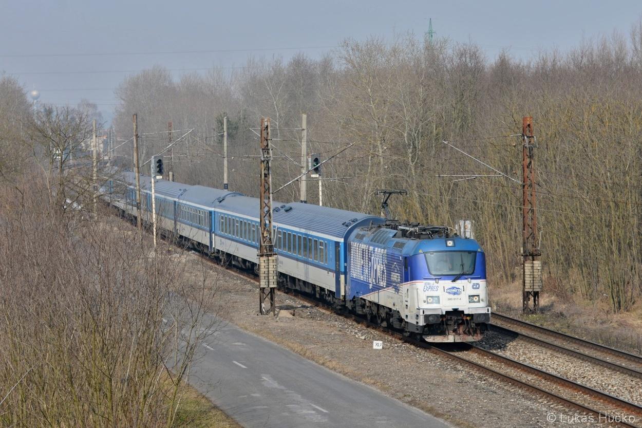 A Kometa na závěr s vlakem EC 275 dne 04.03.2018