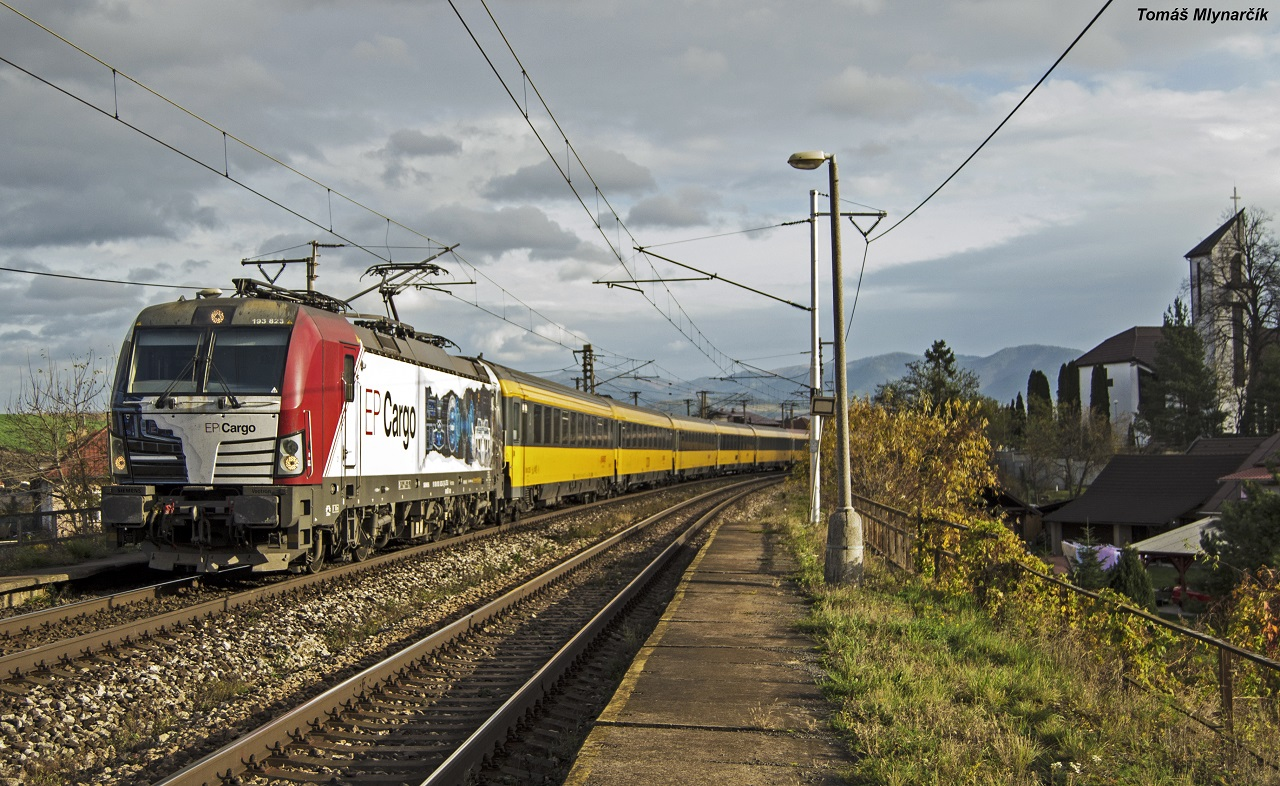 193.823 EP cargo s vlakom Rj 1012 Regiojet