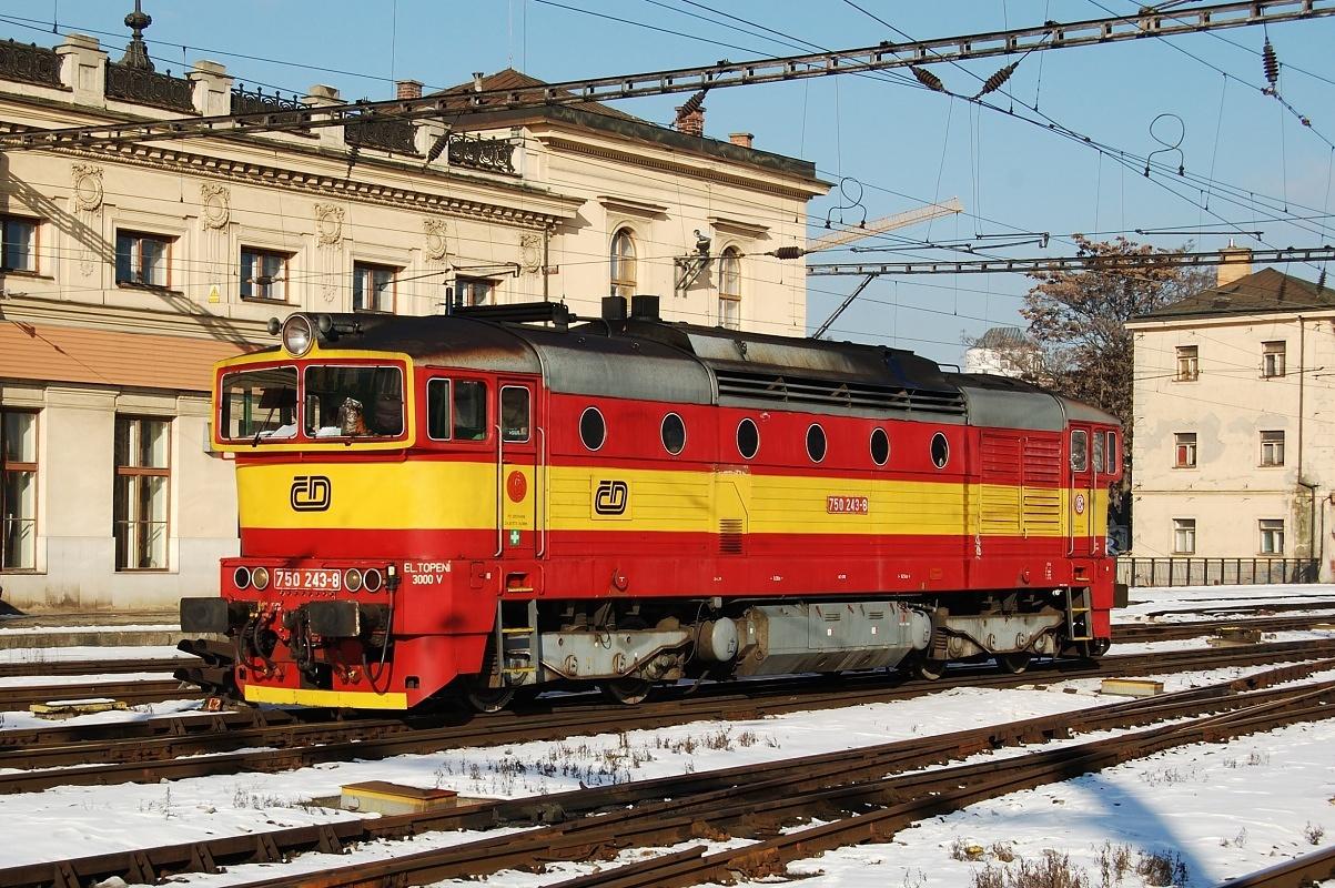 750.243 se sluní v Brně na hlavním nádraží 16.01.2009