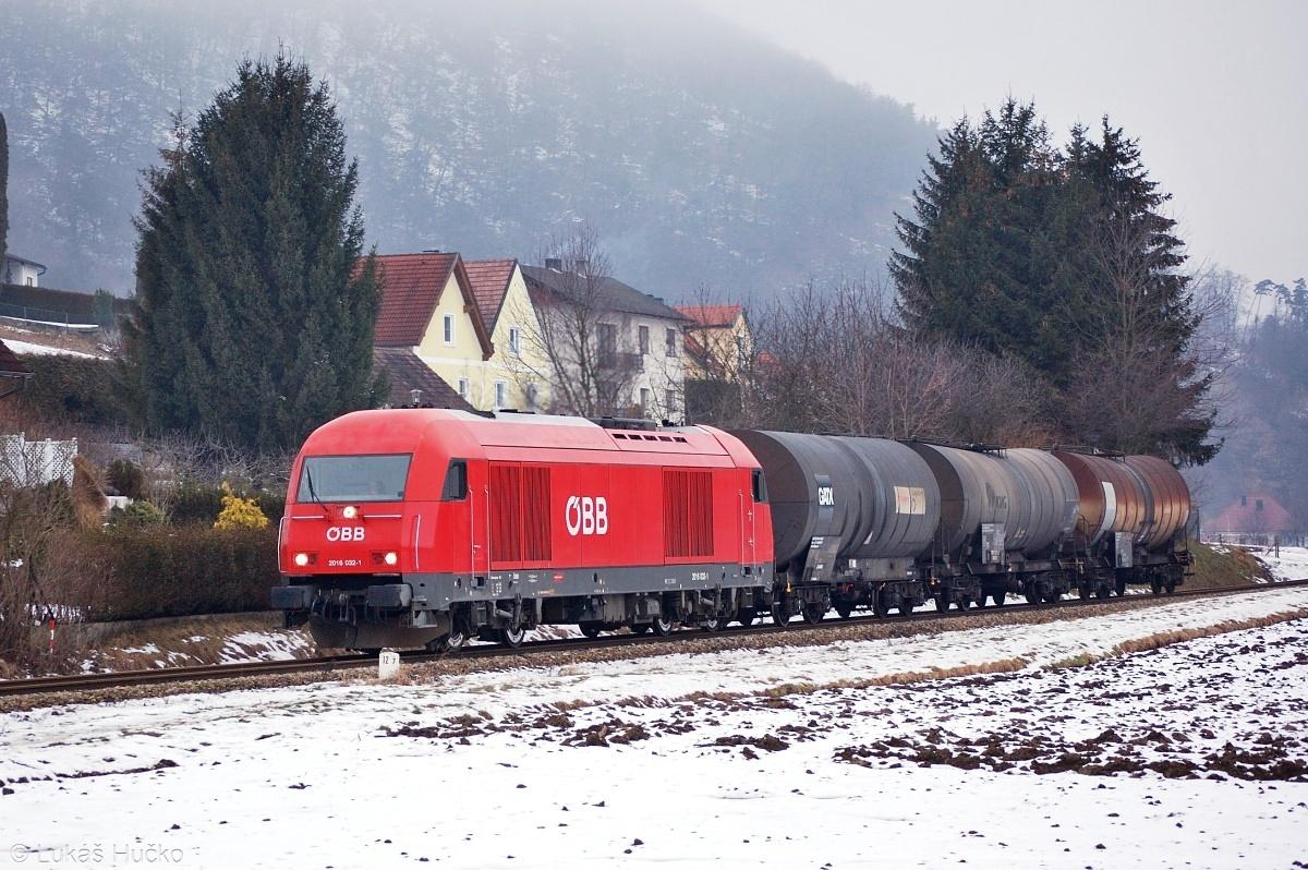 Herkules 2016.032 s nákladním vlakem u stanice Paudorf dne 06.02.2009