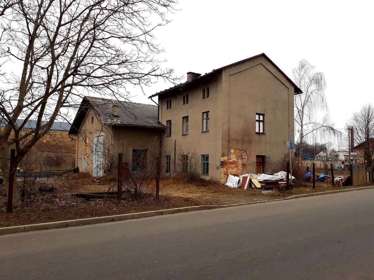 Pohled na depo z ulice Jiráskova, 1.2.2019