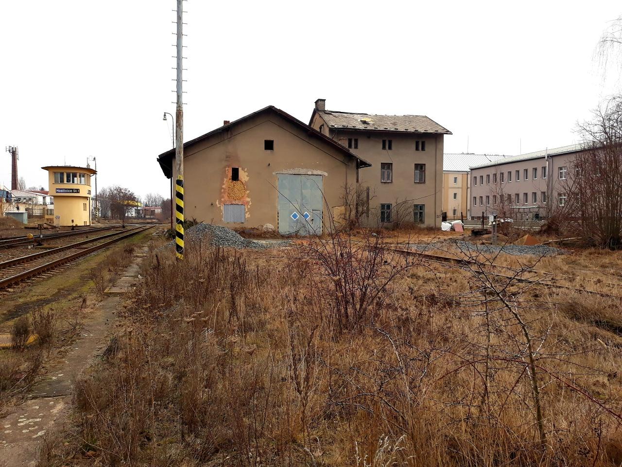 Pohled na depo z ulice Jiráskova, 21.2.2019