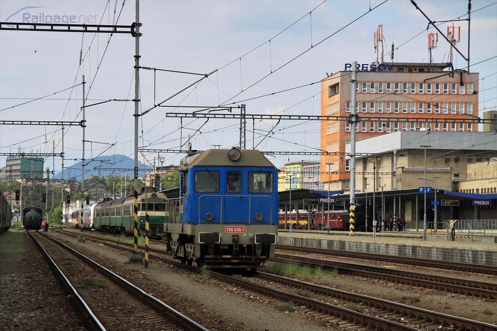 Je to už veľmi dávno, kedy na staničných zálohách v Prešove slúžili loko rady T 435.0 (720). Boli však otočené opačne ako rušeň na snímke.