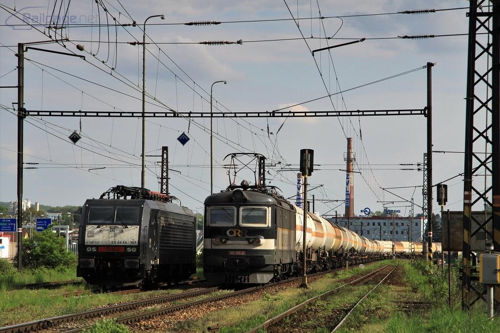 Odstavený Siemens 189 157 a postrková rakaňa 182 096, Prešov, 4.5.2019