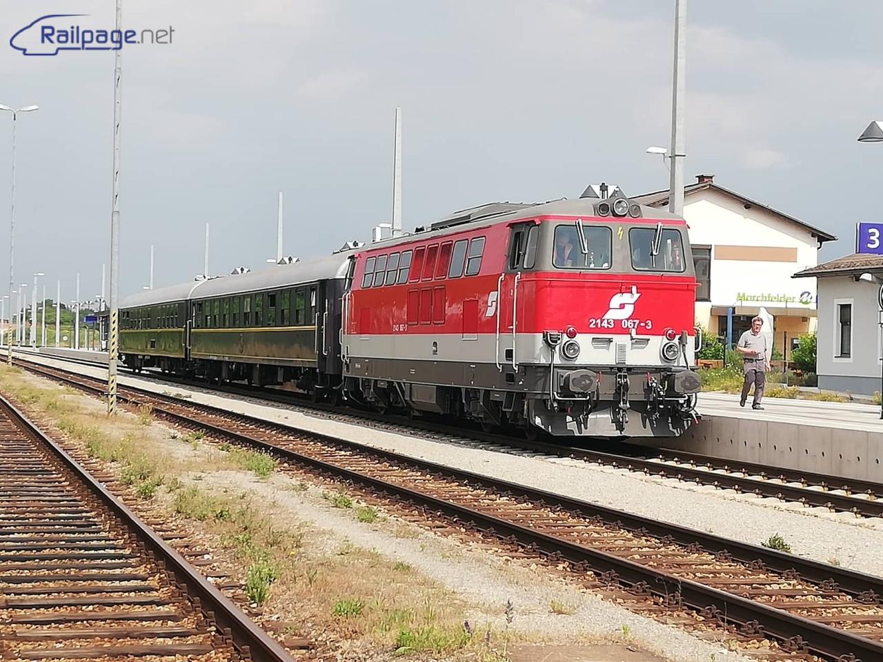 Po príchode mimoriadného vlaku - Marchegg