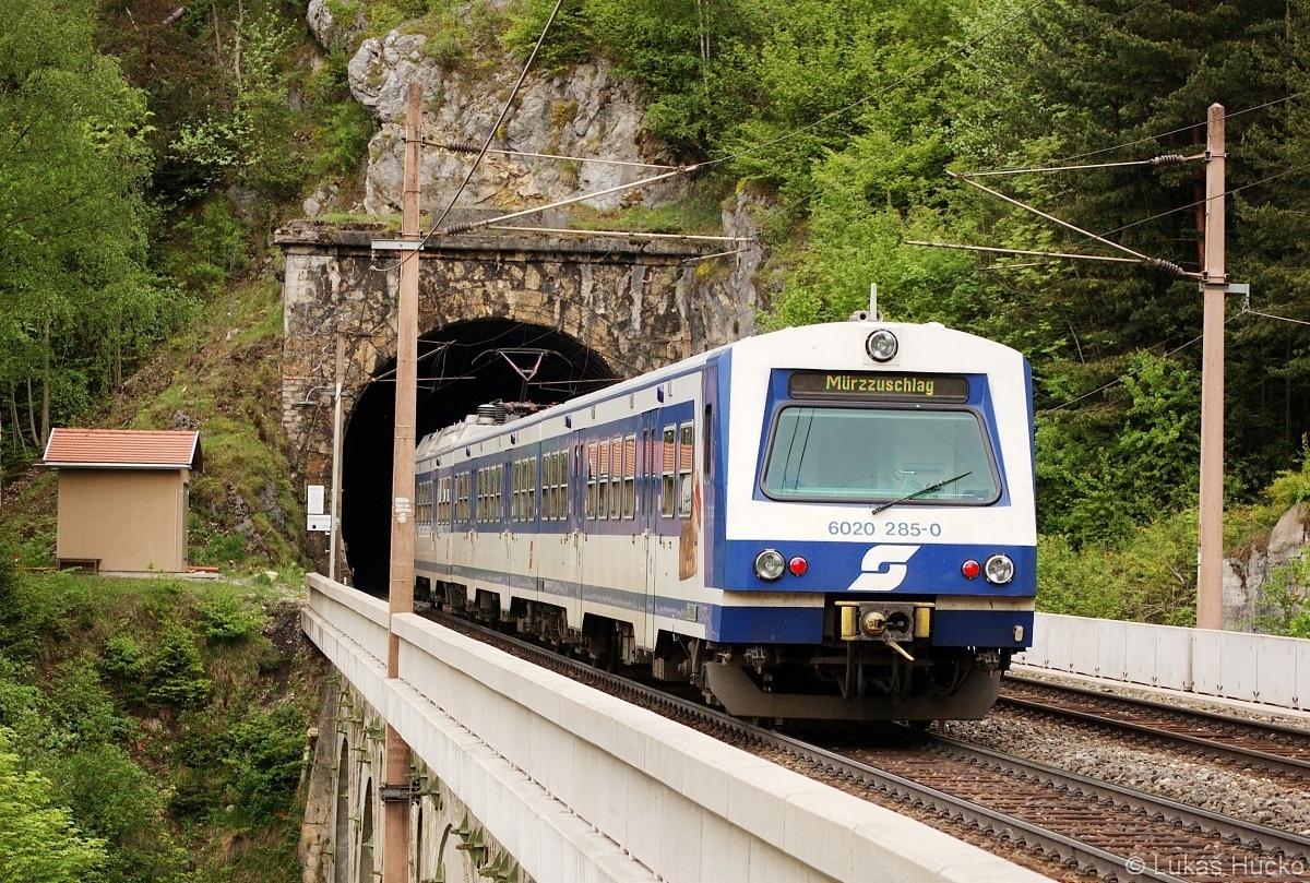 6020.285 jako R 2949 za stanicí Breitenstein dne 16.05.2009