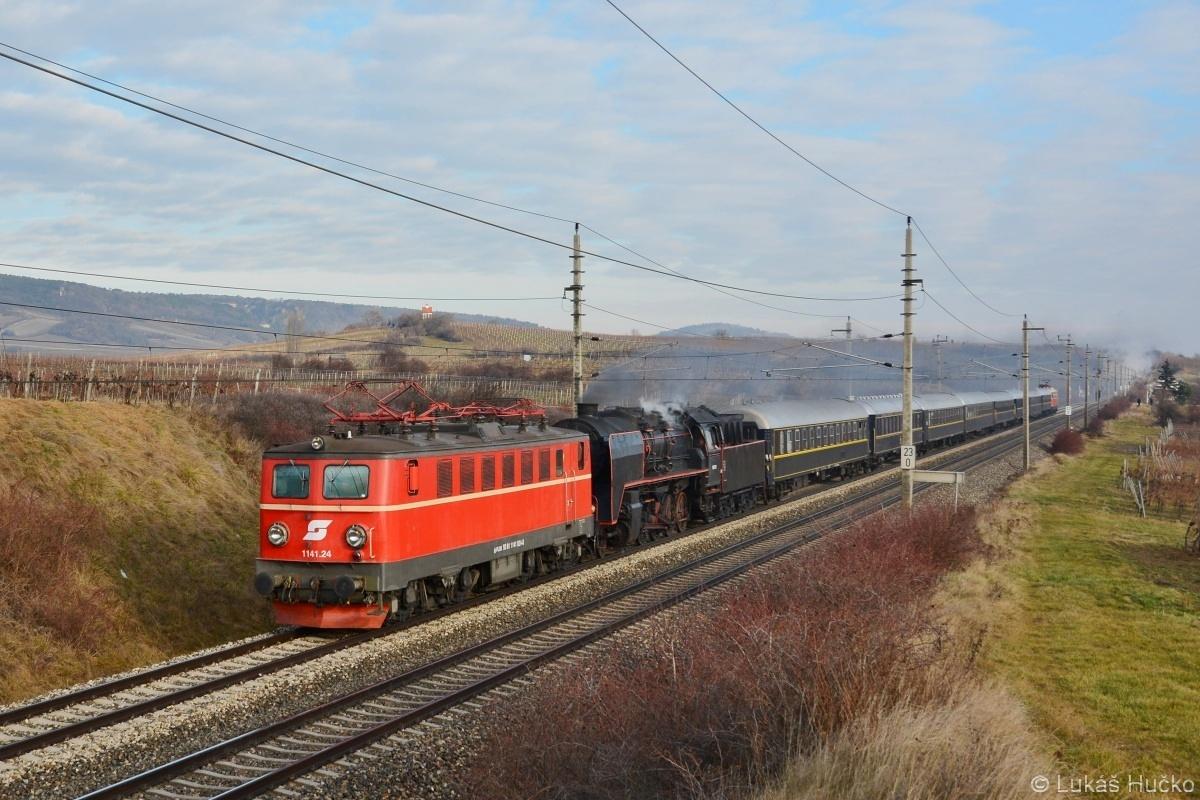 """Zatím poslední akce """"Winterdampf am Semmering"""" byla uskutečněna 06.01.2018. V čele vlaku stanuly stroje 1141.24+50.1171, s kolegy jsem tento vlak zachytil poblíž Gumpoldskirchenu"""