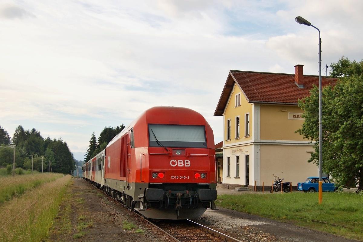 A ještě jednou Reichenfels – St. Peter v době kdy tudy jezdil osobní vlak. 09.06.2009