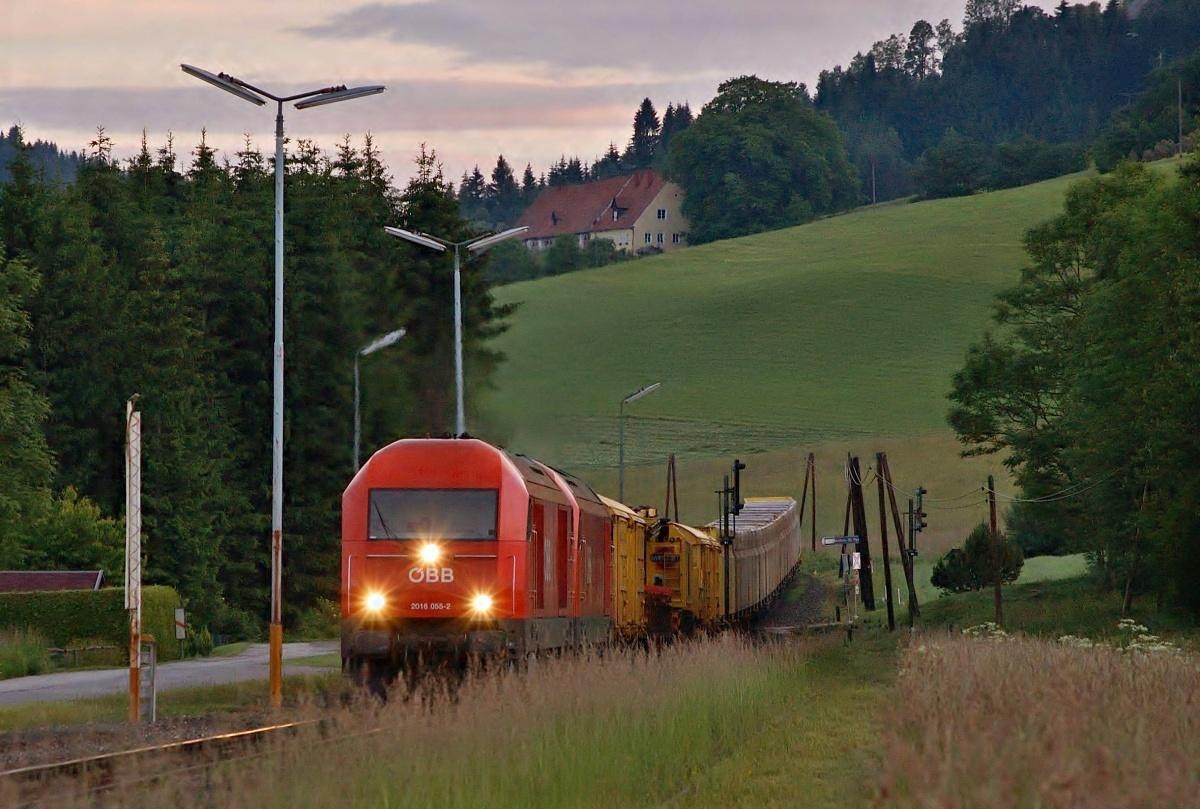 Brzké ráno v zastávce Reichnefels – St. Peter s dvojicí 2016.055+048 dne 09.06.2009