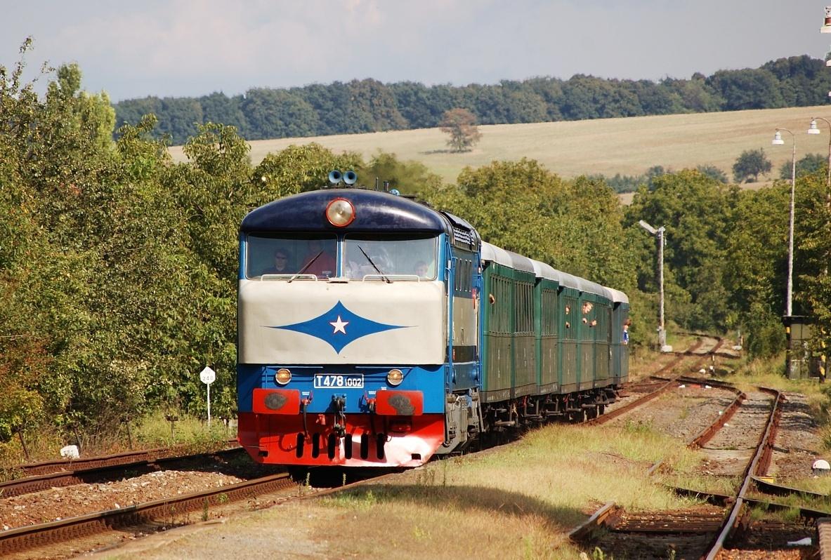Lipovské mechaniky jsou již minulostí, 751.002 ve stanici Lipov dne 30.08.2009