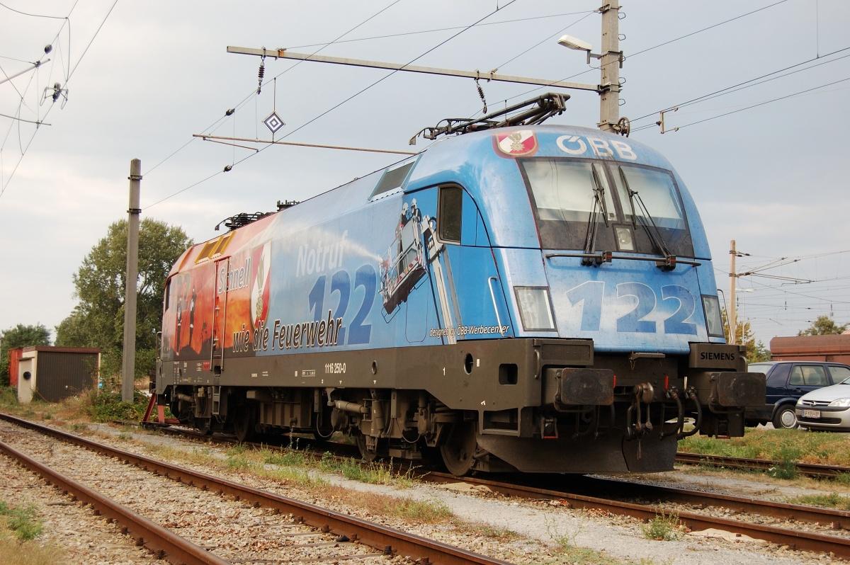 Taurus 1116.250 Notruf 122 Feuerwehr odstavený ve stanici Hohenau dne 29.09.2009