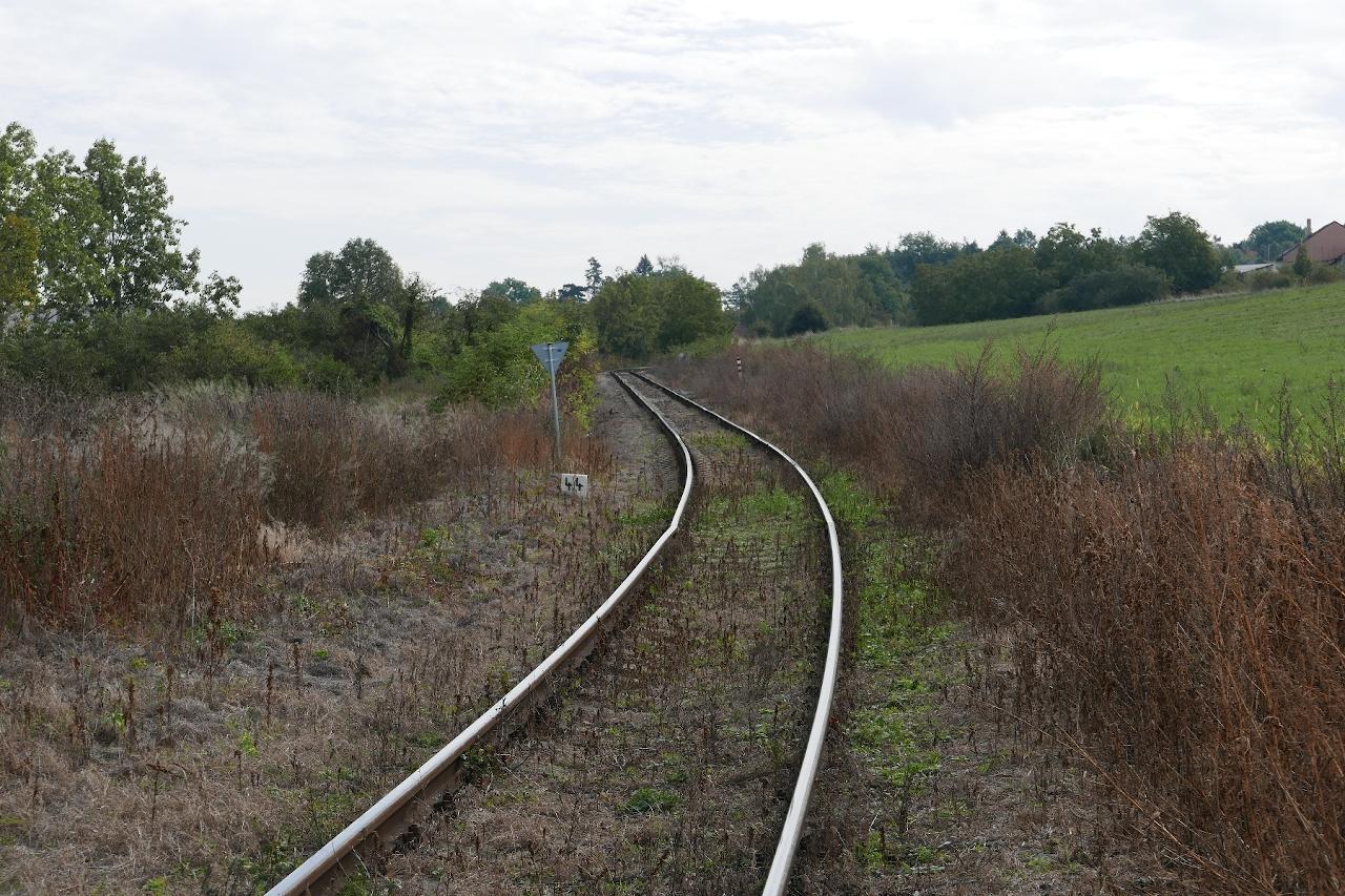 Pohľad na trať v km cca 4,400 od Brandýsa nad Labem pred výlukou.