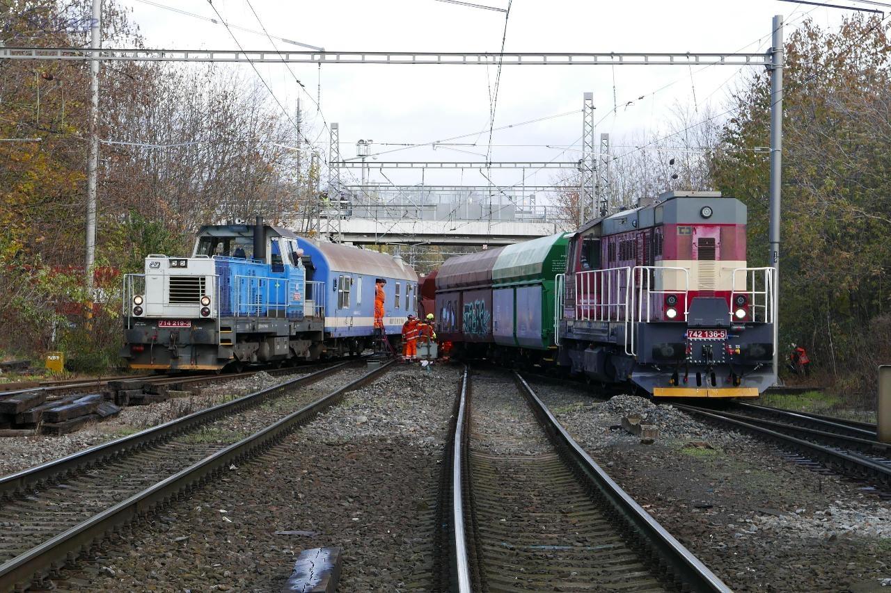 Pondelok. Od stanice asistovali 742 136 a 714 219.