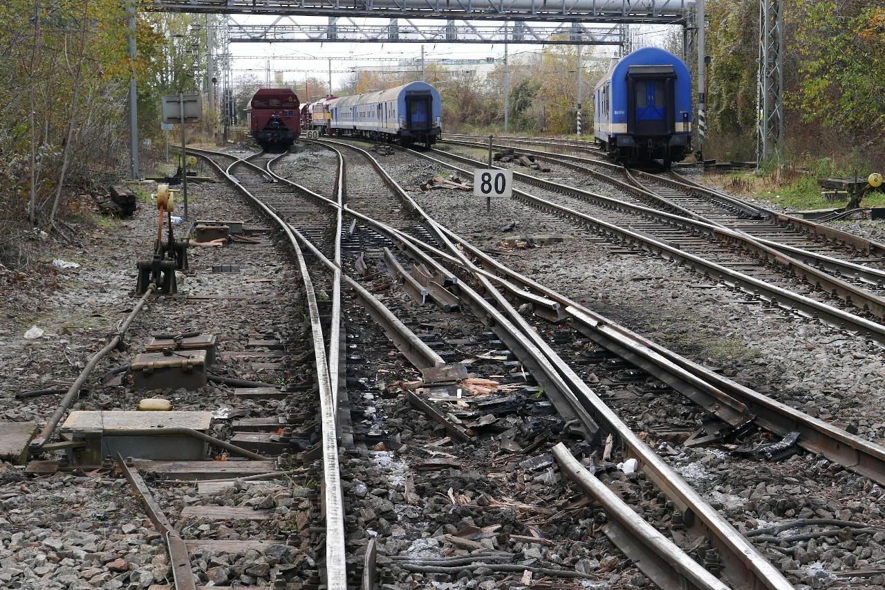 ... na rozdiel od železničného zvršku.