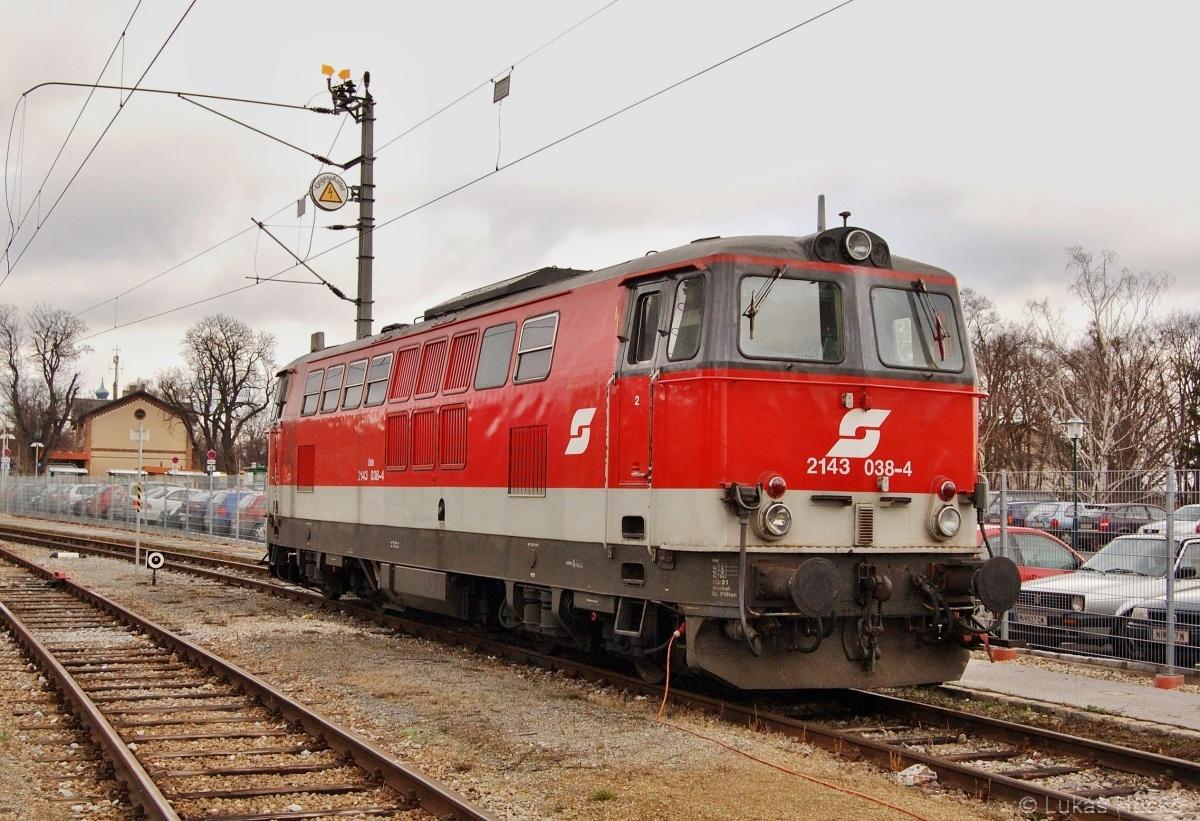 Stroj 2143.038 odstavený v Mistelbachu dne 02.12.2009