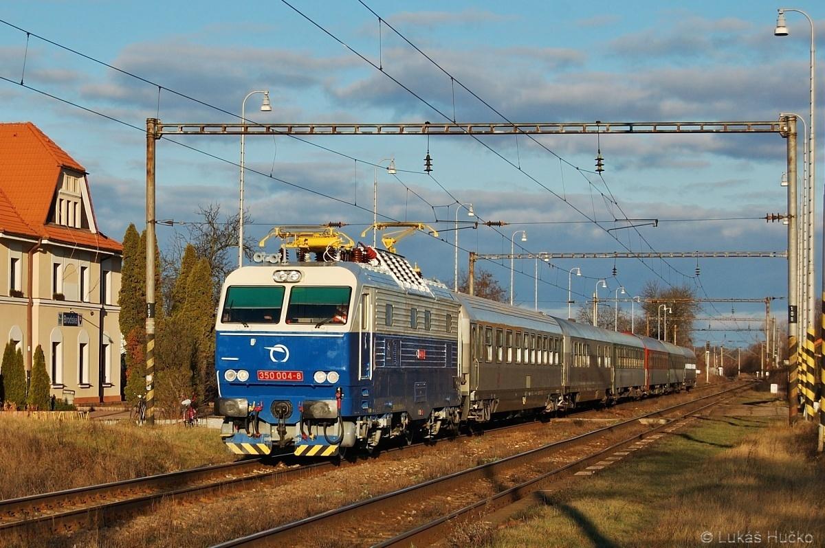 A máme tu nový lak - Brodské 26.12.2009 s vlakem EC 345