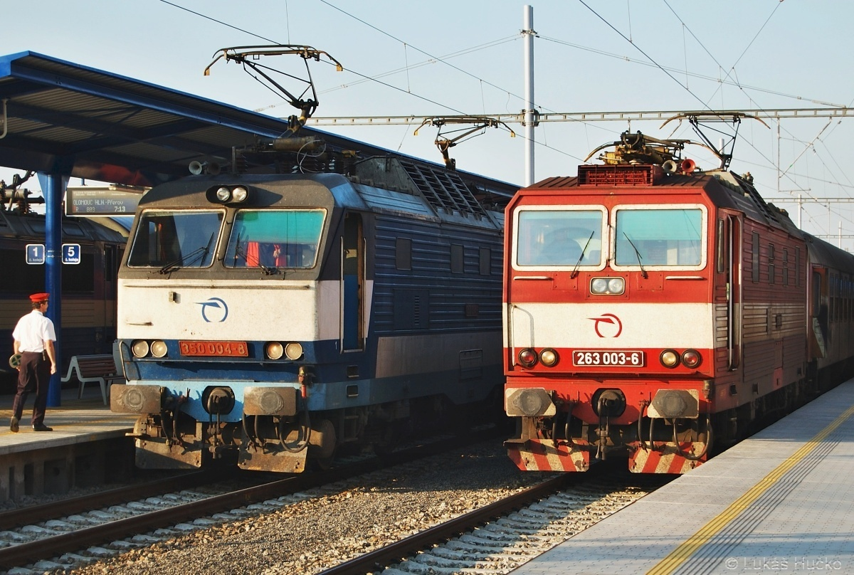 Trojka a Čtyřka v Břeclavi, sice jiné řady ale to nevadí, osmičkového dne dne 18.08.2008