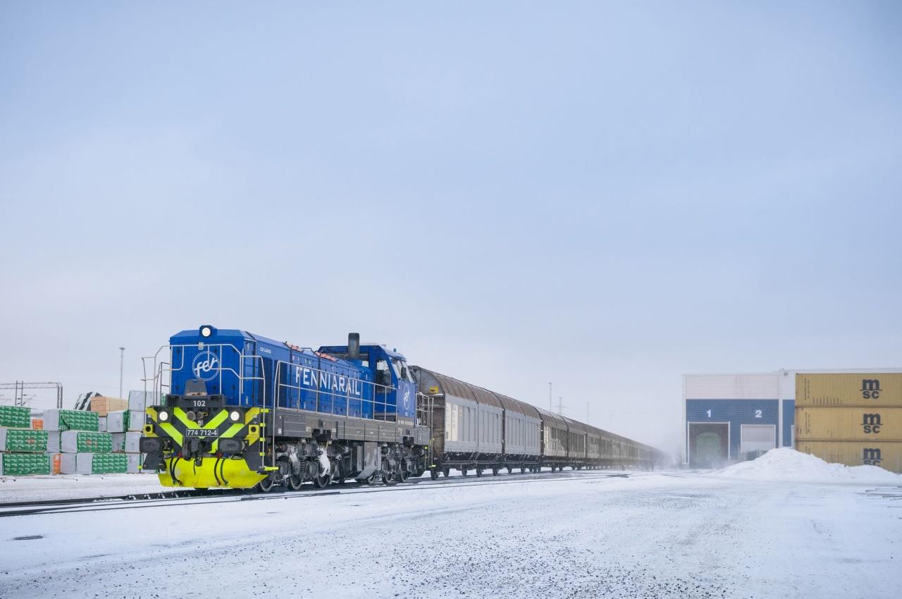 Finská FenniaRal lokomotivy EffiShunter 1600 provozuje i v extrémních podmínkách hluboko pod bodem mrazu