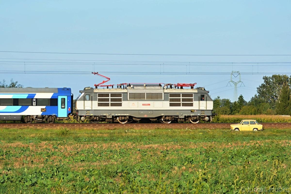 Poslední den legální návštěvy ČR před uzavřením hranic u Lanžhota. 350.001 na vlaku EC 173 dne 17.09.2020