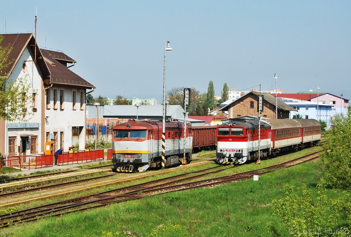 Setkání 751.082 a 750.182 v žst. Podunajske Biskupice 20.04.2011