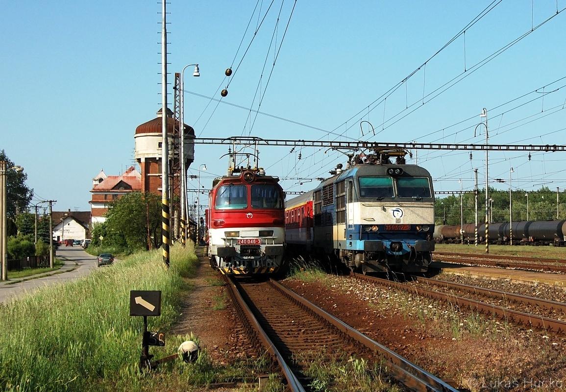 Nesmí chybět záběr z domácího prostředí. Záhorácká klasika v podobě laminátky 240.046 a předjetí EC vlakem s gorilou 350.017 dne 19.05.2011