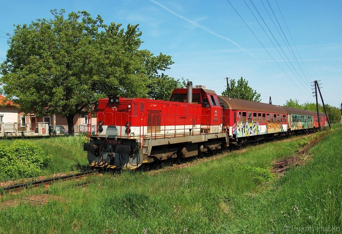 Natěšen brejlovcem jsem 12.05.2001 opět zajel zvěčnit Os 5002, tentokrát do obce Čakajovce ale vyklubal se z toho somár 736.105