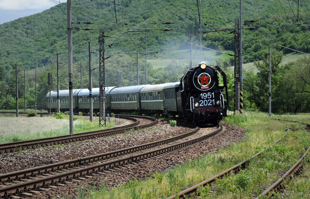 9. Vlak na trati