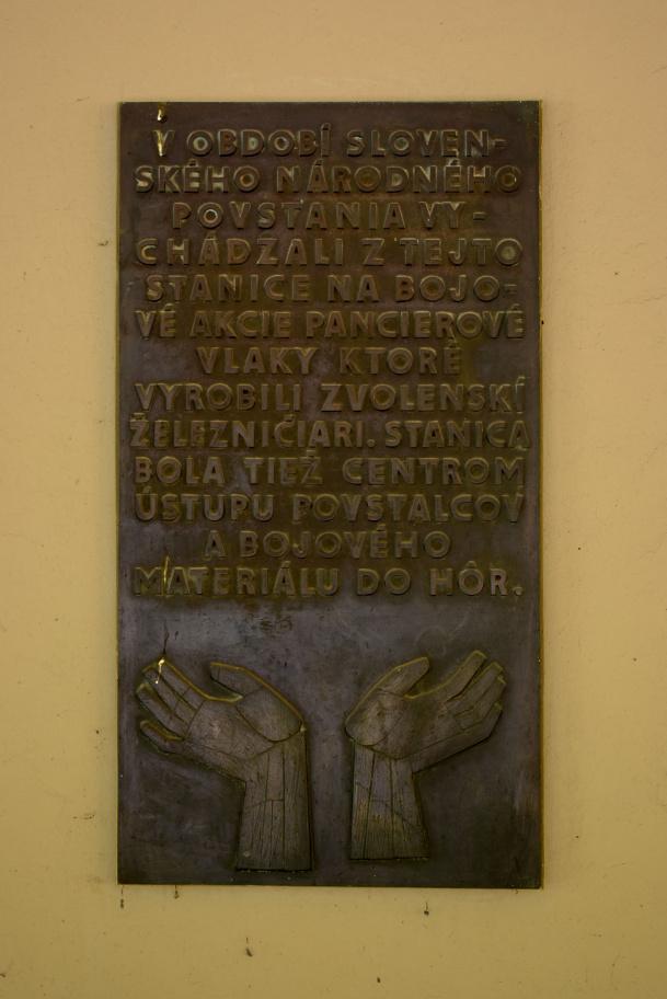 15. Pamätná tabuľa SNP