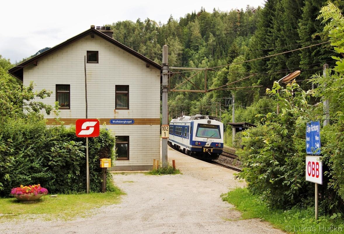 Přístup na nástupiště zastávky Wolfsbergkogel 03.07.2011